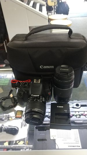 Canon EOS Rebel T5 Digital SLR Camera w/ 2 Lenses 18-55mm & 75-300mm 18MP 32gb Card and Case for Sale in Chula Vista, CA