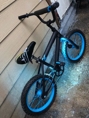Kids Custom Bike Ages 5-8yr (have training wheels) for Sale in Dallas, TX