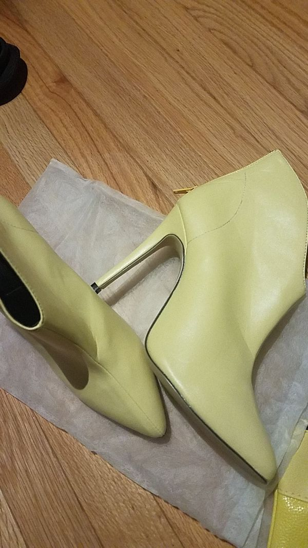 Yellow booties 9 (39) NEW