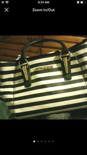 Black and white striped MK Michael Kors large shoulder tote purse for Sale in Warner Robins, GA