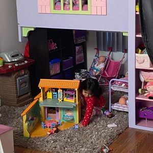 Doll House for Sale in Sterling, VA