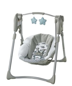 Graco Slim Spaces compact baby swing for Sale in Orlando, FL