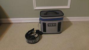 Yeti Cooler Hopper Flip 8 Cooler for Sale in Portland, OR