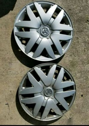 """16"""" toyota hub caps for Sale in Portland, OR"""