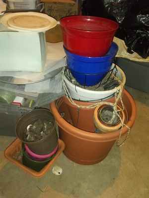 Plant pots, hanging baskets for Sale in Detroit, MI