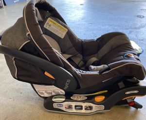 Chicco Keyfit 30 Car seat with base for Sale in San Diego, CA