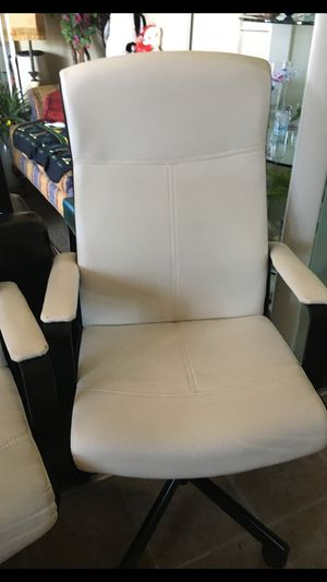3 Chairs for Sale in Norwalk, CA