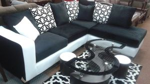 New Black & White Deal 2-Pcs Sectional Sofa, 3-Pcs Coffee Table & Area Rug for Sale in Haltom City, TX