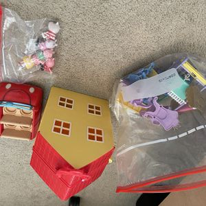 Peppa Pig House, Car, Accessories ! Great Set Adorable For Xmas for Sale in Spring Valley, CA