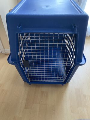 Kennel for Medium Sized Dog for Sale in Sterling, VA
