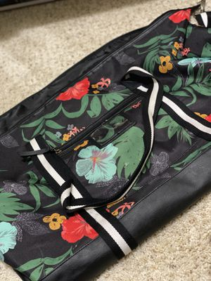 Beautiful floral duffel bag for Sale in Manassas, VA