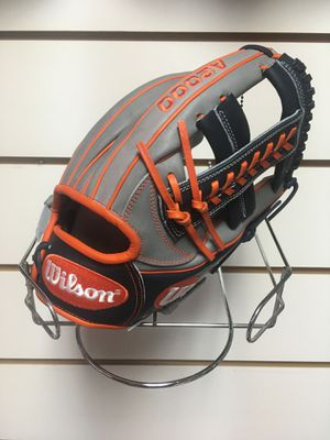 Wilson 11.75'' Carlos Correa A2000 Series Glove for Sale in West Palm Beach, FL