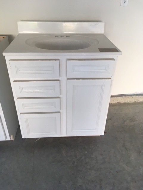 Vanity cabinet and top