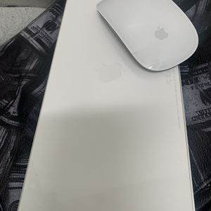 Apple Magic Keyboard & Mouse for Sale in Charlotte, NC