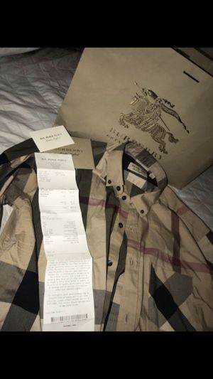 Burberry XL Mens for Sale in Fresno, CA