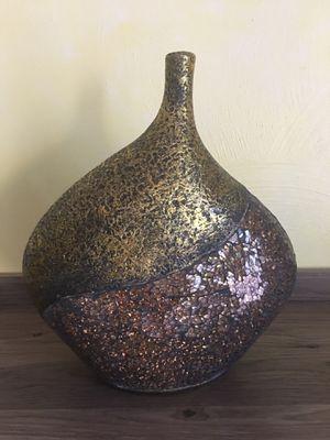 Shiny vase for Sale in Virginia Beach, VA
