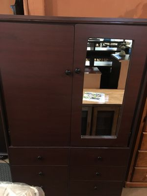 New closet with shelves and drawers $339 for Sale in Cerritos, CA