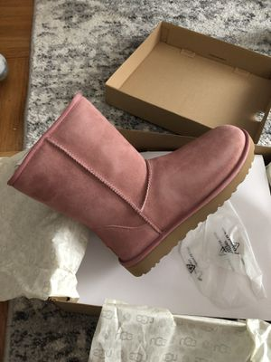 Uggs *BRAND NEW* - Women's 8 for Sale in San Francisco, CA