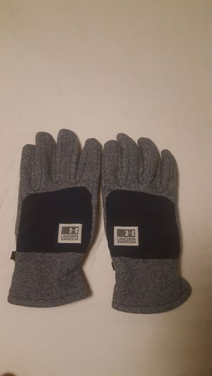 Under Armour gloves touch tech unisex fits like women's large or mens medium for Sale in Everett, WA
