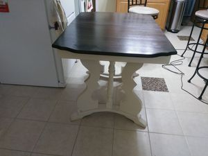 Small Kitchen Table NoChairs for Sale in Chicago, IL