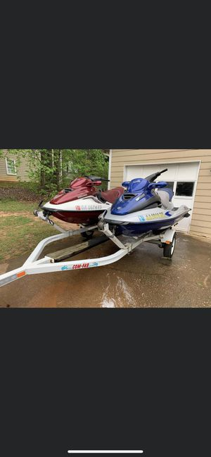 Jet ski for sale 2000 sea doo. Jus the blue one for Sale in Lawrenceville, GA