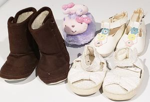 Girls Baby shoes 0 to 18 months for Sale in St. Louis, MO