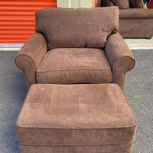 Cocoa couch, chair and Ottoman for Sale in Redmond, OR