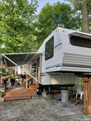 1994 Shasta 5th wheel for Sale in Gilbertsville, PA