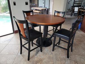 Dining Room Table, 4 Chairs, Counter Height for Sale in Merritt Island, FL