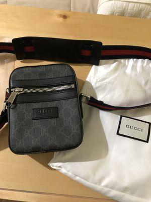 Gucci GG Supreme Messenger mini bag (Black) for Sale in Dallas, TX