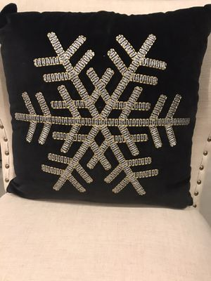 18x18 black velvet Christmas snowflake in gold stitching. Brand New! ONLY HAVE ONE PILLOW! for Sale in Pembroke Pines, FL