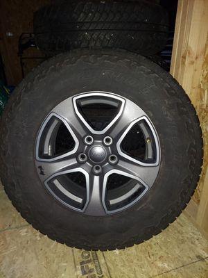 Tires - Factory Jeep Bridgestone Dueler AT - 245/75R17 for Sale in Lake Stevens, WA