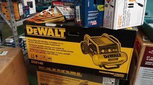 DeWalt 4.5 gal portable electric air compressor for Sale in Phoenix, AZ