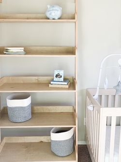 Shelf for Sale in Bonney Lake,  WA
