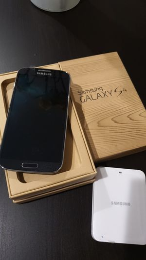 Brand New Verizon Galaxy S4 w/spare battery charger for Sale in Los Angeles, CA