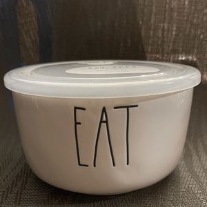 Rae Dunn Eat Bowl with Lid for Sale in Aumsville, OR