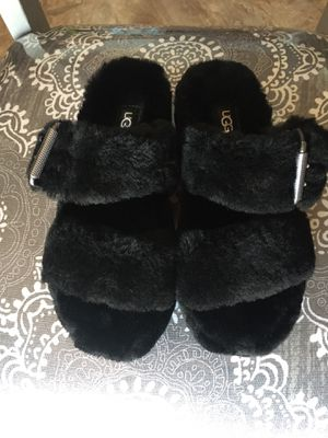 ugg slippers size 5 for Sale in Los Angeles, CA