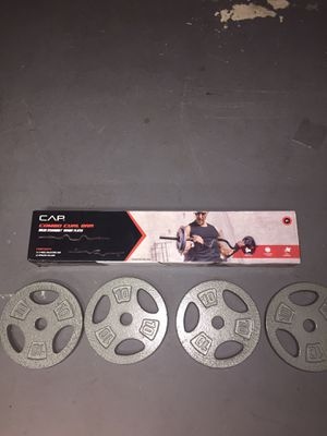 New curl bar + 40 lbs for Sale in Dracut, MA