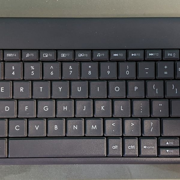 Logitech K400+ Keyboard Mouse Combo Water Resistant Wireless Woth Dongle