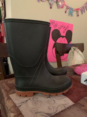Size 2 rain boots for Sale in Rancho Cordova, CA