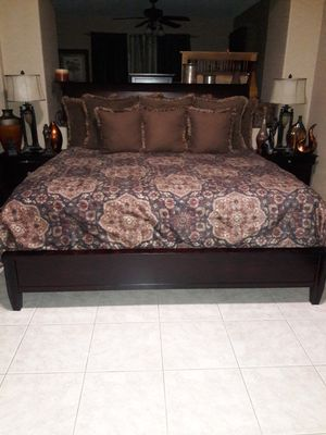 King size bedroom set ( mattress not included ) for Sale in Tucson, AZ