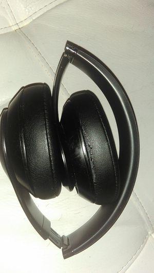 Beats by dre, studio 3 wireless for Sale in Brandon, FL