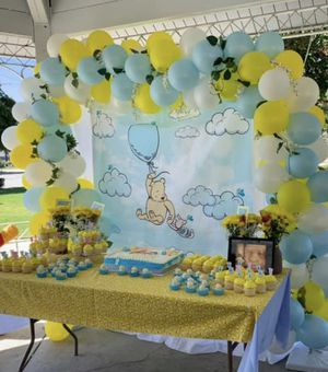 Winnie the Pooh back drop for baby shower for Sale in Upland, CA