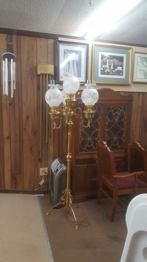 Antique floor lamp for Sale in Saint Paul, MO