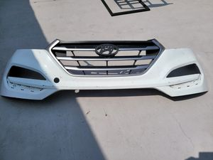 Hyundai 2016 2017 2018 tucson front bumper grille for Sale in Lawndale, CA