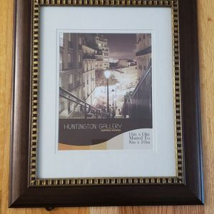 Picture frame 8x10 for Sale in Bordentown, NJ