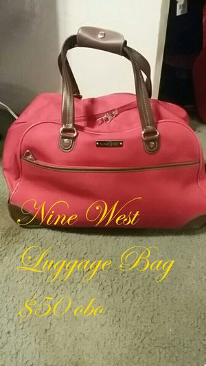Nine West Pink Luggage On Wheels for Sale in Vancouver, WA