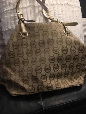 Michael kors bag for Sale in New Britain, CT