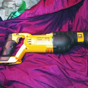 DeWalt 20V MAX Cordless Sawzall for Sale in Des Moines, WA