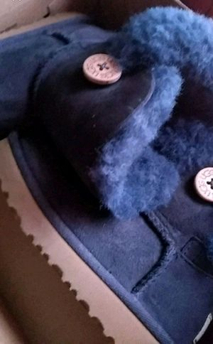 Girls navy blue ugg boots for Sale in New York, NY
